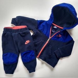✨ 5/$25✨👶 12 mo Sweatsuit Set
